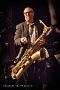 Leading baritone player Gary Smulyan